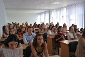День знань першачки філфаку відзначили знайомством з факультетом