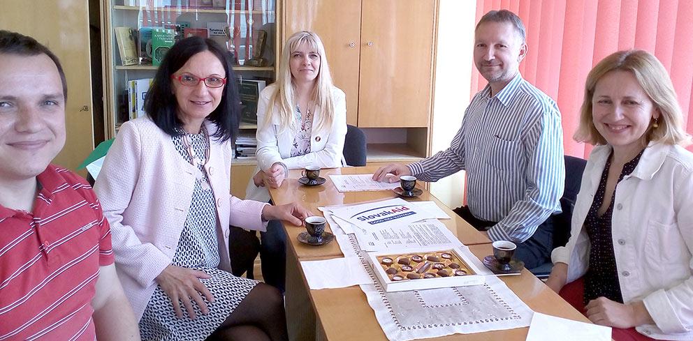 На фото: (зліва направо) Василь Шаркань, Яна Кесселова, Наталія Петріца, Даніел Цабан, Галина Шумицька